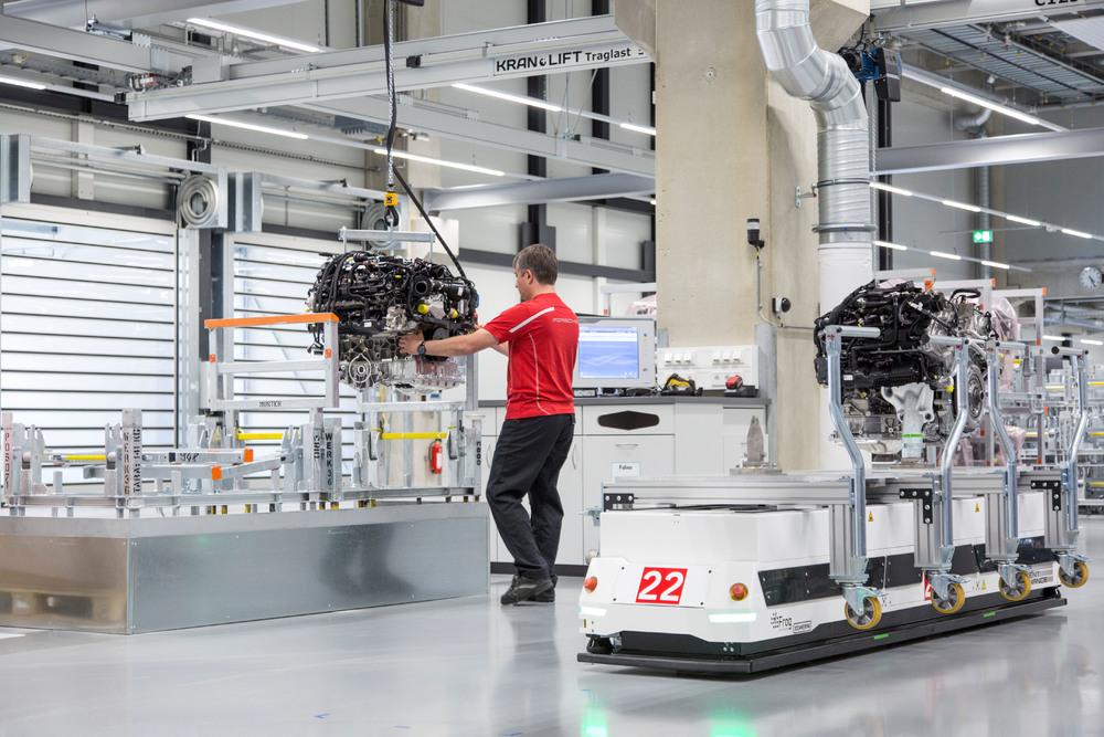 Noua fabrică pentru motoare în opt cilindri, Stuttgart-Zuffenhausen. Foto: Porsche
