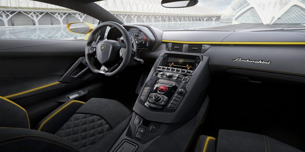 Interiorul noului Aventador S. Foto: lamborghini.com
