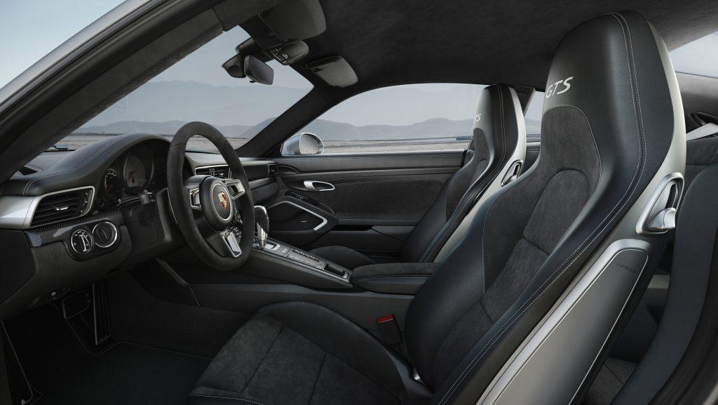 Interior Porsche 911 Carrera 4 GTS. Foto: Porsche