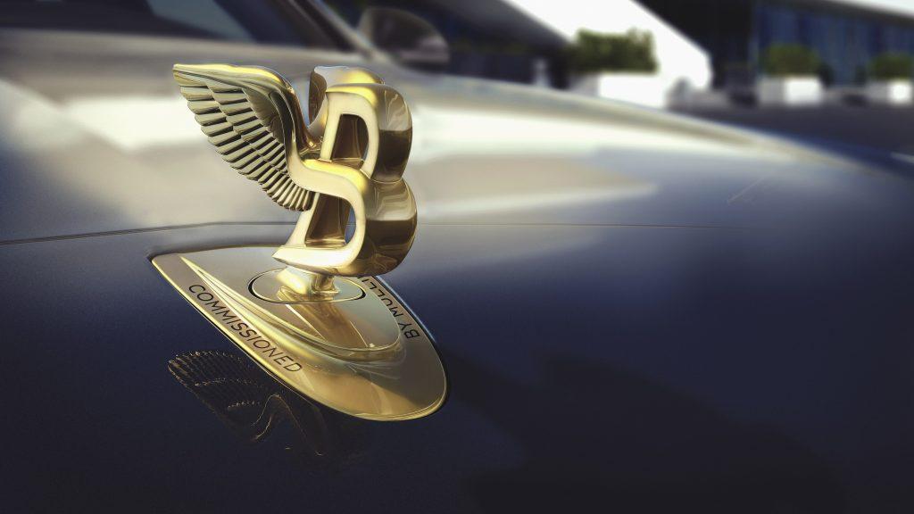 Emblema Flying B. Foto: Bentley Motors