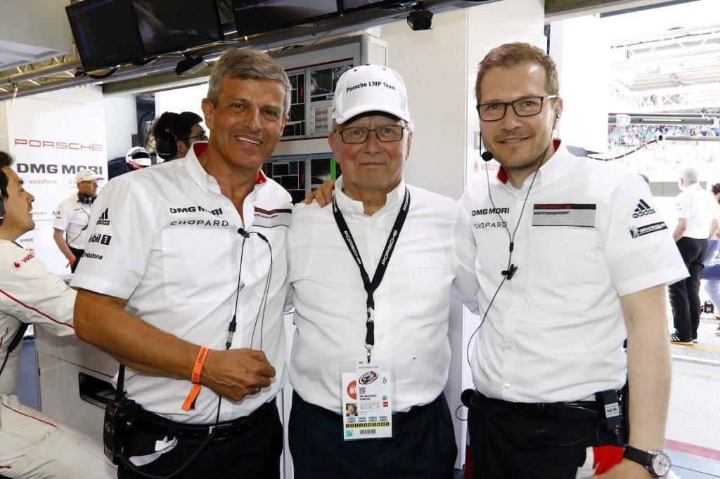 Fritz Enzinger (Leiter LMP1), Dr. Wolfgang Porsche (Aufsichtsratsvorsitzender der Porsche AG), Andreas Seidl (Teamchef Porsche Team) (l-r)