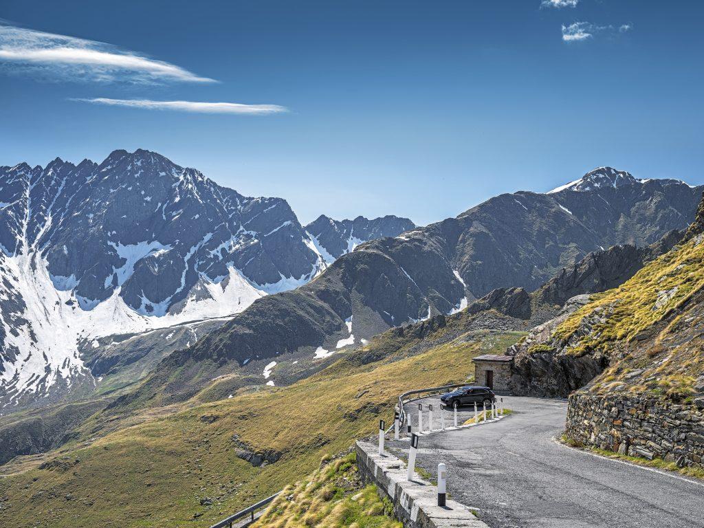 Porsche Cayenne în apropiere de Mont Blanc. Foto: Porsche