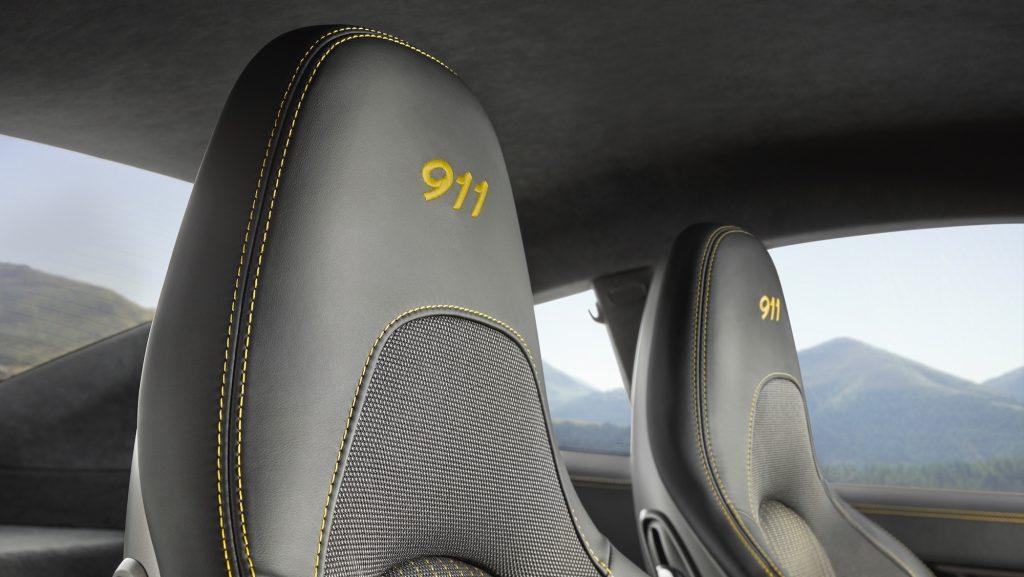 Interiorul noului 911 Carrera T. Foto: Porsche