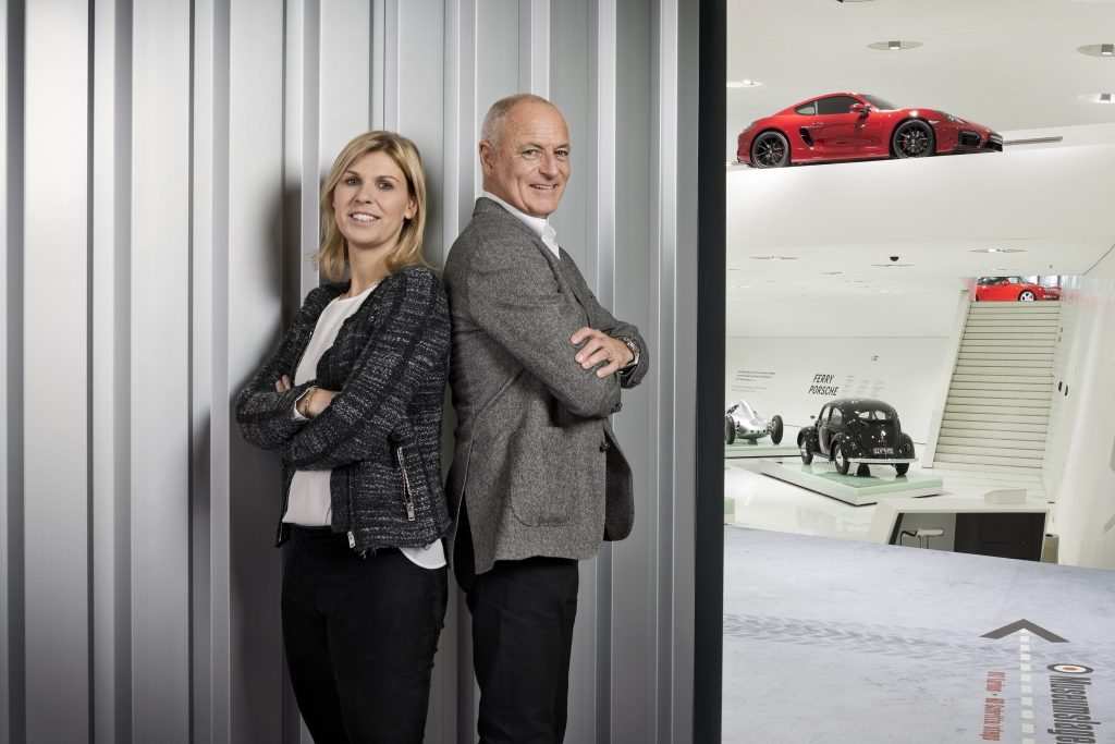 Markus Günthardt (Tournament Director) si Anke Huber (Operating Tournament Director). Foto: Porsche