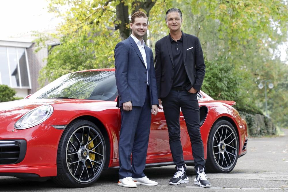 Vitaly Ponomarev, CEO Wayray și Lutz Meschke, vicepreședinte al Consiliului Executiv și Membru în Consiliul Executiv, Responsabil de Finanțe și IT în cadrul Porsche (de la stânga la dreapta). Foto: Porsche