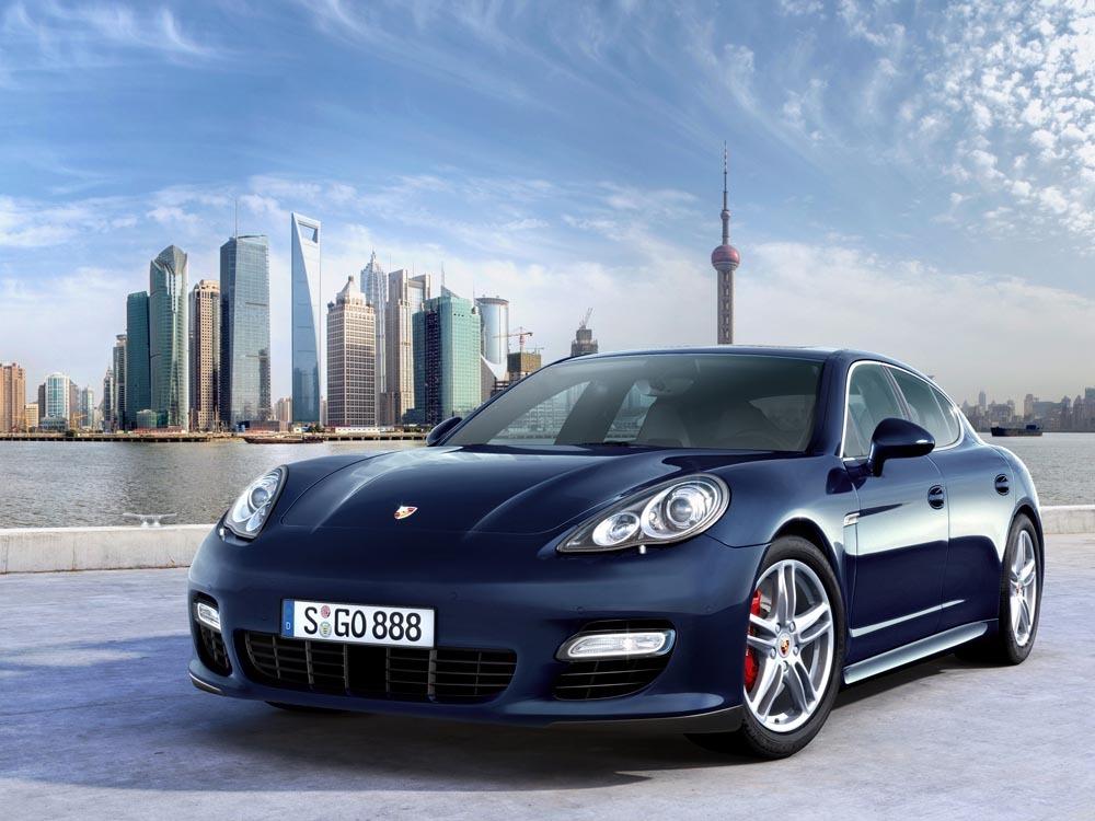 În 2009, Porsche a lansat modelul Panamera. În același an, producătorul de mașini a deschis noul muzeu din Zuffenhausen Foto: Porsche