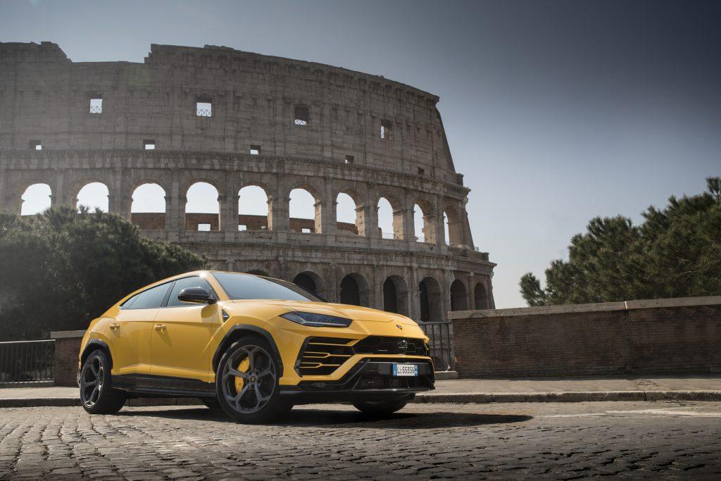 MODELLO: Lamborghini Urus DATA GG/MM/AA: 18/04/2018 OCCASIONE - EVENTO: Lamborghini Urus lancio dinamico/dynamic launch a Vallelunga (Roma) INQUADRATURA: 3/4 anteriore PARTICOLARI: COLORE: Giallo Auge TIPO DI FOTOGRAFIA: Statica NOME FOTOGRAFO: Charlie Magee LIBERATORIA: Diritti editoriali NOTE: N. TELAIO: SOGGETTO: