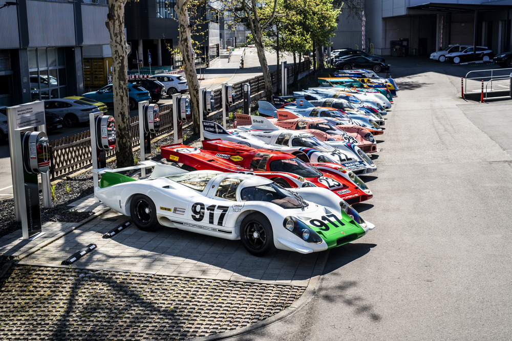 "Where it all began: Group picture of the Porsche 917 at the ""Werk 1"" in Stuttgart-Zuffenhausen. Foto: Porsche"