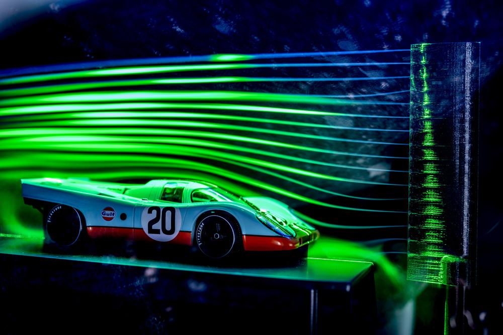 : A model wind tunnel displays the aerodynamics of the Porsche 917. Foto: Porsche