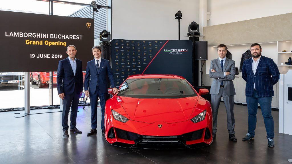 Alin Tapalagă, Directorul general al Porsche Inter Auto România, Andrea Baldi, CEO pentru regiunea EMEA, Konstantin Sychev, Director pentru Europa de Est și CIS și Adrian Pascu, Director al Diviziei de branduri de lux în cadrul PIA România (stânga-dreapta)