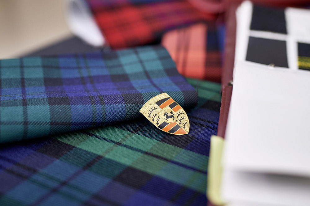 Fabric samples from the 80s: Scottish tartan pattern Photo: Porsche