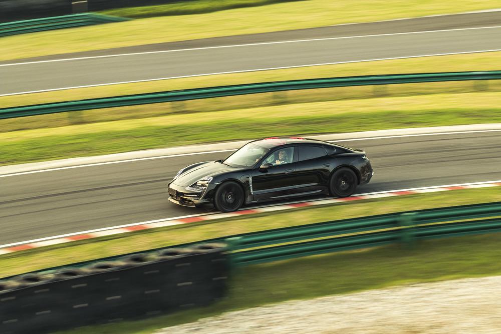 Kicking off in China: the Triple Demo Run Photo: Porsche