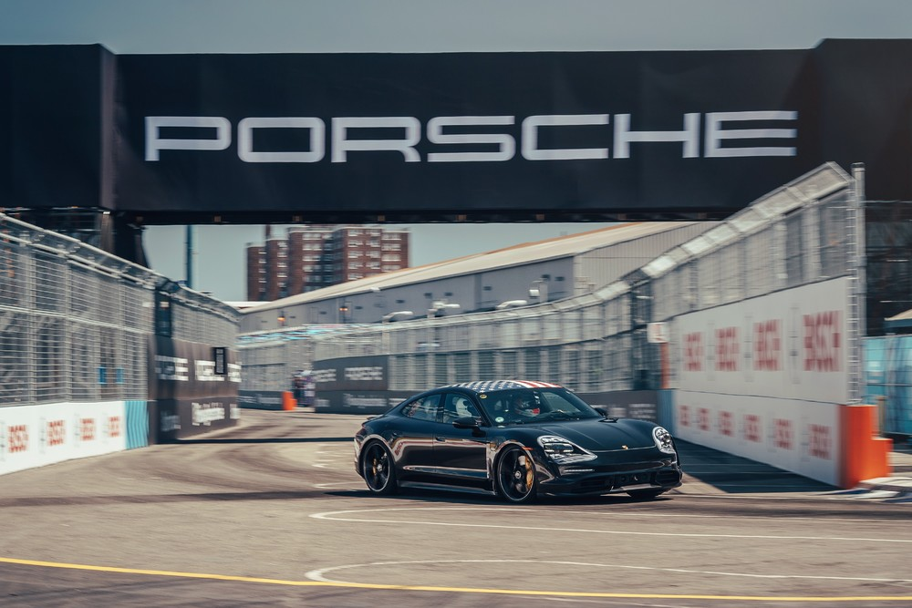 Porsche Taycan on the racetrack in Brooklyn Photo: Porsche