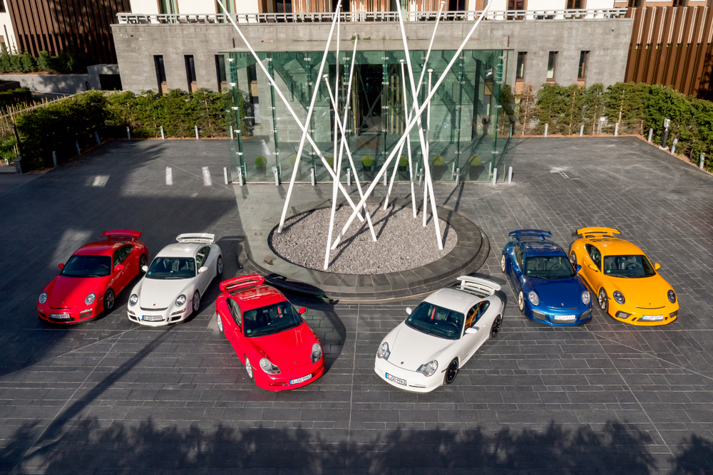 All six generations of the Porsche 911 GT3 (f.r.: 997.2, 997.1, 996.1, 996.2, 991.1, 991.2) Photo: Porsche