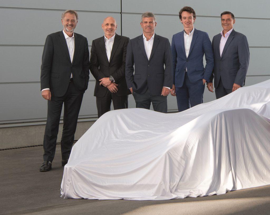 Porsche și TAG Heuer își unesc forțele din nou (de la stânga spre dreapta): Detlev von Platen, Stéphane Bianchi, Fritz Enzinger, Frédéric Arnault, Michael Steiner